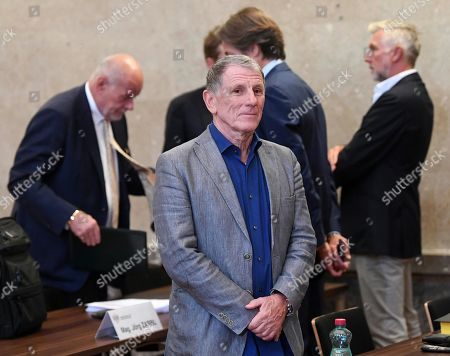 Defendant Peter Hochegger attends another day of trial against him and other defendants at the Vienna District Criminal Court, in Vienna, Austria, 26 September 2019. Former Finance Minister Karl-Heinz Grasser and other defendants are facing charges of alleged fraud and corruption in connection with the privatization of the federal housing association 'Buwog'.