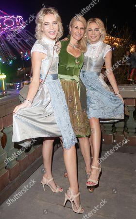 Stock Image of Nina & Julia Meise with Natascha Gruen