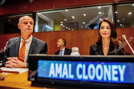 Minister of Foreign Affairs Stef Blok and Amal Clooney (R) during the meeting on ISIS at the United Nations headquarters.
