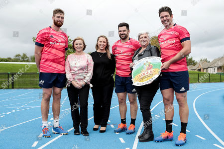 Munster Rugby's Darren O'Shea, Kevin O'Byrne and Billy Holland pictured with Jack & Jill Children's Foundation liaison nurse Mags Naughton, Fundraising Manager Alie Sheridan and liaison nurse Eilín Ní Mhurchú at the launch of the province's 2019/20 nominated charity partnership.