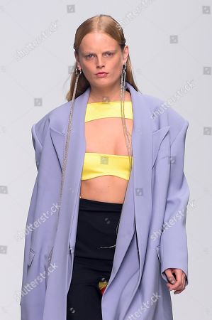 Stock Picture of Hanne Gaby Odiele on the catwalk