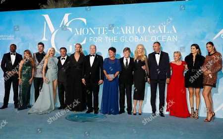 (L-R) US comedian Chris Tucker, Brisish actress Jane Seymour, US musician Robin Thicke, US singer Gwen Stefani, US actor Andy Garcia, US actress Uma Thurman, Prince Albert II of Monaco, Sibylle Szaggars, US actor Robert Redford, Australian actress Nicole Kidman, producer Milutin G. Gatsby, US actress Patricia Arquette, Brazilian model Isabeli Fontana and Brazilian model Ana Beatriz Barros attend the 3rd Monte-Carlo Gala for the Global Ocean 2019 in Monaco, 26 September 2019. The Monte Carlo Gala for the Global Ocean, hosted by the Prince Albert II of Monaco Foundation, is a fundraising auction, to support the foundation's marine conservation initiatives.