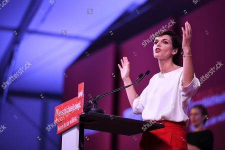 Pamela Rendi-Wagner, leader of Austrian Social Democratic Party (SPOe) and SPOe top candidate, delivers a speech during the final election campaign event for the Austrian federal elections in Vienna, Austria, 27 September 2019. The Austrian federal elections will take place on 29 September 2019.