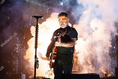 Aaron Lewis of Staind performs during Louder Than Life at Highland Festival Grounds at KY Expo Center, in Louisville, Ky