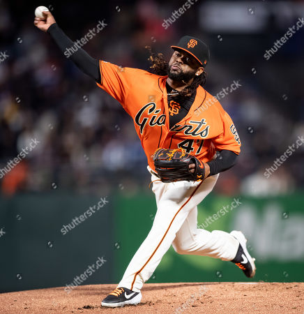 In his second start after Tommy John surgery, San Francisco Giants starting pitcher Johnny Cueto (47) throws in the first inning, during a MLB game between the Los Angeles Dodgers and the San Francisco Giants at Oracle Park in San Francisco, California