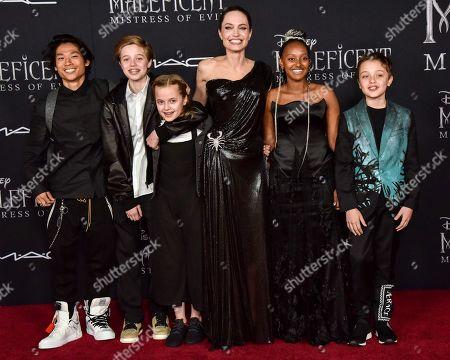 Pax Jolie-Pitt, Shiloh Jolie-Pitt, Vivian Jolie-Pitt, Angelina Jolie, Zahara Jolie-Pitt and Knox Jolie-Pitt