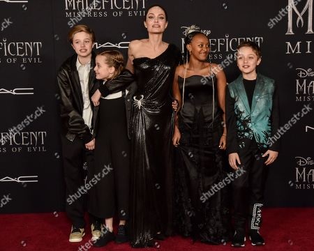 Shiloh Jolie-Pitt, Vivian Jolie-Pitt, Angelina Jolie, Zahara Jolie-Pitt and Knox Jolie-Pitt