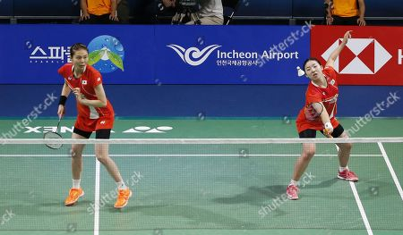 Kong Hee-yong (L) and Kim So-yeong (R) of South Korea in action during their Women's Doubles semi-final match against Ayako Sakuramoto and Yukiko Takahata of Japan at the Korea Open 2019 badminton championships in Incheon, South Korea, 28 September 2019.