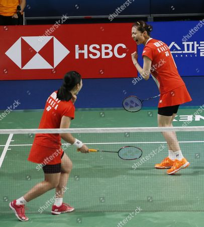 Kong Hee-yong (L) and Kim So-yeong (R) of South Korea react during their Women's Doubles semi-final match against Ayako Sakuramoto and Yukiko Takahata of Japan at the Korea Open 2019 badminton championships in Incheon, South Korea, 28 September 2019.