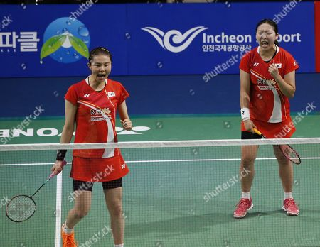 Kong Hee-yong (R) and Kim So-yeong (L) of South Korea react after winning against Ayako Sakuramoto and Yukiko Takahata of Japan  during their Women's Doubles semi-final match of the Korea Open 2019 badminton championships in Incheon, South Korea, 28 September 2019.