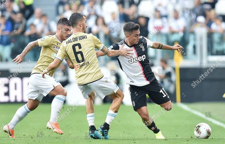 Juventus' Paulo Dybala (R) in action during the Italian Serie A soccer match between Juventus FC and S.P.A.L at Allianz stadium in Turin, Italy, 28 September 2019.