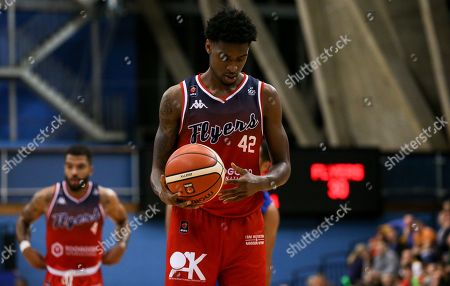 Levi Bradley of Bristol Flyers sets up for a free throw