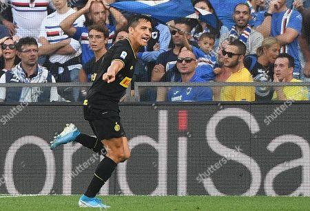 Inter's Alexis Sanchez celebrates scoring a goal during the Italian Serie A soccer match UC Sampdoria vs FC Inter at the Luigi Ferraris stadium in Genoa, Italy, 28 September 2019.