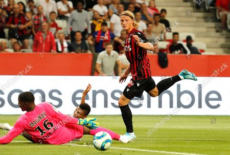 Kasper Dolberg (R) of OGC Nice and Leo Jardim (L) of Lille OSC in action during the French Ligue 1 soccer match, OGC Nice vs Lille OSC, at the Allianz Riviera stadium, in Nice, France, 28 September 2019.