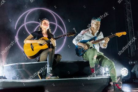 Rodrigo y Gabriela - Gabriela Quintero and Rodrigo Sanchez