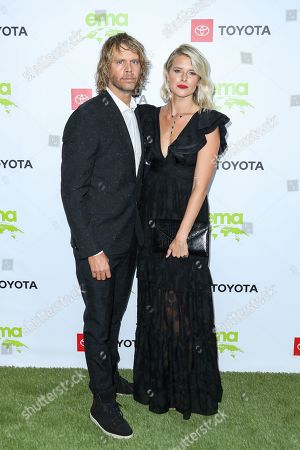 Eric Christian Olsen and Sarah Wright