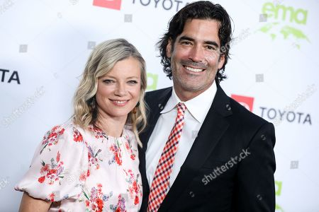 Stock Image of Amy Smart and Carter Oosterhouse