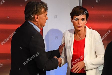 (L-R) Werner Kogler, top candidate of the Green Party, and Pamela Rendi-Wagner, leader of Austrian Social Democratic Party (SPOe) and SPOe top candidate, prior the TV discussion after the Austrian federal elections in Vienna, Austria, 29 September 2019.