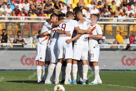 Roma's Edin Dzeko (C) celebrates with teammates after scoring during the Italian Serie A soccer match US Lecce vs AS Roma at the Via del Mare stadium in Lecce, Italy, 29 September 2019.