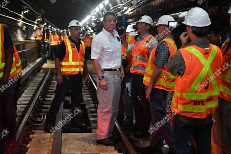 Governor Andrew Cuomo and senior MTA leadership tour the completed Manhattan-bound subway tube, reviewing the new construction methods used to avoid a complete shutdown and maintain regular train service for 90 percent of L customers.