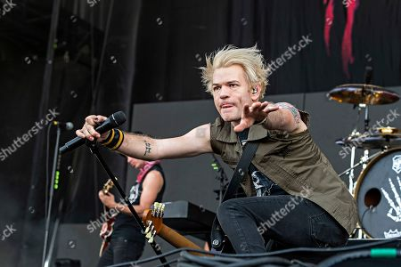 Deryck Whibley of Sum 41 performs during Louder Than Life at Highland Festival Grounds at Kentucky Expo Center, in Louisville, Ky