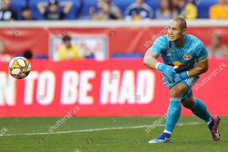 New York Red Bulls goalkeeper Luis Robles (31) distributes the ball during the first half of an MLS soccer match against D.C. United, in Harrison, N.J. The match ended in a 0-0 draw