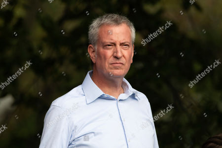New York Mayor Bill de Blasio speaks performs with the band Queen at the 2019 Global Citizen Festival in Central Park, in New York