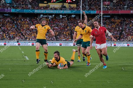 Australia Adam Ashley-Cooper scores a try during the Japan 2019 Rugby World Cup Pool D match between Australia and Wales at the Tokyo Rugby Stadium
