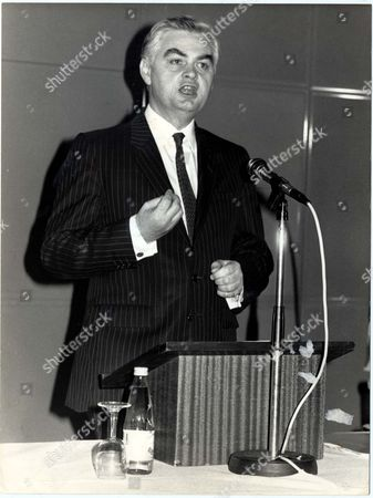 Stock Picture of Norman Lamont - Mp - Politician - Baron Lamont Of Lerwick - Life Peer / Politican - 1988 Norman Lamont Speaking At The Sixth 'high Fliers' Conference For Women In Condon Today. Picture Desk ** Pkt5582-411500