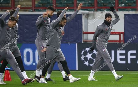 Atletico Madrid's Diego Costa (R) takes part in a training session in Moscow, Russia 30 September 2019. Atletico Madrid will face Lokomotiv Moscow in a UEFA Champions League group stage match on 01 October.