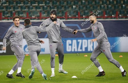 Atletico Madrid's Diego Costa (C) takes part in a training session in Moscow, Russia, 30 September 2019. Atletico Madrid will face Lokomotiv Moscow in a UEFA Champions League group stage match on 01 October.
