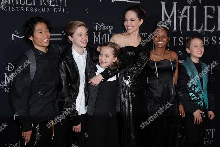 Pax Jolie Pitt, Shiloh Jolie Pitt, Vivienne Jolie Pitt, Angelina Jolie, Zahara Jolie Pitt and Knox Jolie Pitt