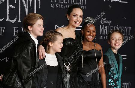 Shiloh Jolie Pitt, Vivienne Jolie Pitt, Angelina Jolie, Zahara Jolie Pitt and Knox Jolie Pitt