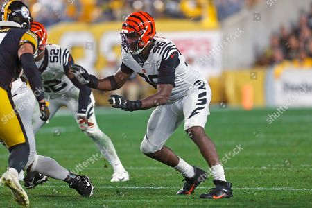 Stock Photo of Cincinnati Bengals defensive end Carlos Dunlap (96) plays during the second half of an NFL football game against the Pittsburgh Steelers in Pittsburgh