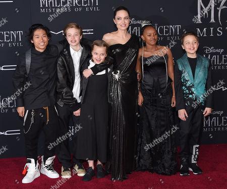 Pax Jolie-Pitt, Shiloh Jolie-Pitt, Vivienne Jolie-Pitt, Angelina Jolie, Zahar Jolie-Pitt and Knox Jolie-Pitt