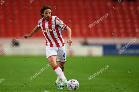 1st October 2019, Bet365 Stadium, Stoke-on-Trent, England; Sky Bet Championship, Stoke City v Huddersfield Town : Joe Allen (4) of Stoke City in action during the game