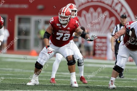 Indiana offensive lineman Simon Stepaniak (72) in action during the first half of an NCAA college football game against Connecticut, in Bloomington, Ind
