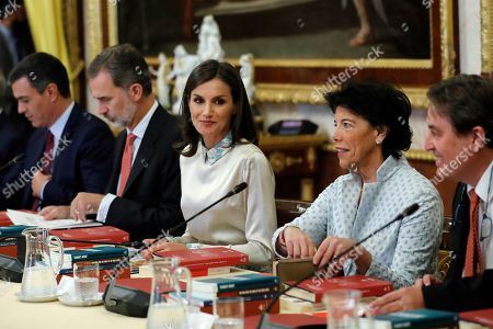 Spain's King Felipe VI (2-L) and Queen Letizia (3-L) attend, accompanied by acting Spanish Prime Minister, Pedro Sanchez (L) and acting Education Minister, Isabel Celaa (2-R), the annual meeting of Instituto Cervantes' Foundation at Aranjuez Palace, outside Madrid, Spain, 02 October 2019. The meeting is focused on the plans to internationally promote Spanish language.