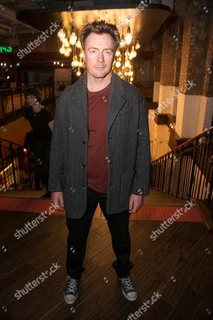 Toby Stephens (Bri)