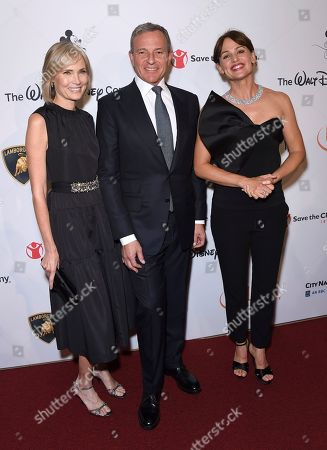 "Robert Iger, Willow Bay, Jennifer Garner. Willow Bay, from left, Disney CEO Robert Iger and Jennifer Garner arrive at the Save the Children ""Centennial Celebration: Once in a Lifetime"" event, at The Beverly Hilton Hotel in Beverly Hills, Calif"