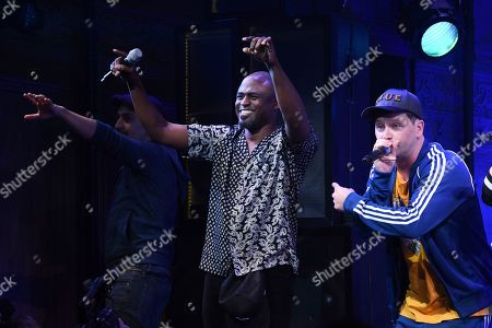 """Lin-Manuel Miranda, Wayne Brady, Chris Sullivan. Actor Wayne Brady, center, on stage during the opening night curtain call for """"Freestyle Love Supreme"""" at the Booth Theatre, in New York"""