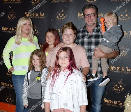 Stock Picture of Tori Spelling, Dean McDermott, Stella McDermott, Liam McDermott, Hattie McDermott, Finn McDermott and Beau McDermott