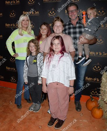 Stock Image of Tori Spelling, Dean McDermott, Stella McDermott, Liam McDermott, Hattie McDermott, Finn McDermott and Beau McDermott