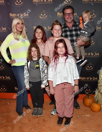 Stock Photo of Tori Spelling, Dean McDermott, Stella McDermott, Liam McDermott, Hattie McDermott, Finn McDermott and Beau McDermott