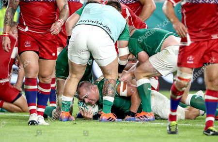 Ireland vs Russia. Ireland's Rhys Ruddock celebrates scoring their third try of the game with John Ryan, Peter O'Mahony and Andrew Porter