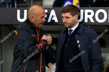 Rangers manager Steven Gerrard shakes hands with assistant Gary McAllister before kick off