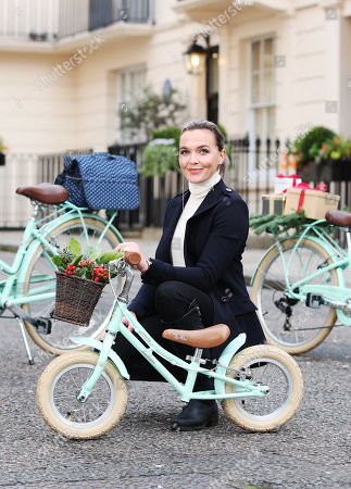 Victoria Pendleton with the new bicycles