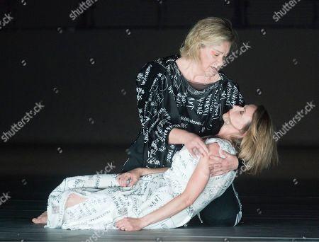 Stock Image of Alice Coote as Orpheus, Sarah Tynan as Eurydice
