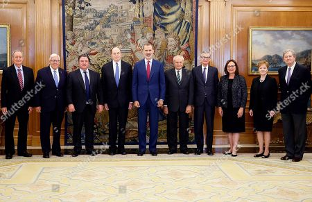 King Felipe VI. of Spain (C) poses for a group photo with members of a US Congress delegation during an audience at La Zarzuela Palace, in Madrid, Spain, 03 October 2019. (L-R) are US senators Mike Crapo and Mike Enzi, US Ambassador in Spain, Richard Duke Buchan III, the Chairman of the Senate Appropriations Committee at US Senate, Richard Shelby, King Felipe VI., Spanish Secretary of State for Foreign Affairs Fernando Valenzuela; Spanish Ambassador in USA, Santiago Cabanas, US senator Deb Fisher, member of US Congress from Texas Kay Granger and US senator John Kennedy.