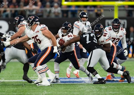 Chicago Bears Running Back David Montgomery (32) runs with the ball